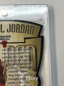 1997-98 Skybox Premium Golden Touch Michael Jordan GT1 Die Cut Insert Amazing