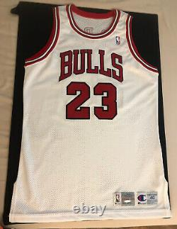 Michael Jordan Signed 1992-93 Chicago Bulls Champion Pro Cut Jersey UDA