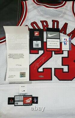 Michael Jordan Signed (Silver) White Bulls Nike Pro Cut 97-98 Rare UDA MINT